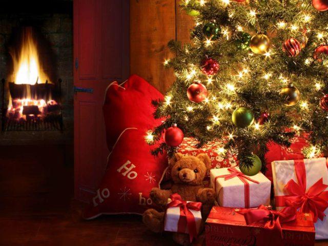 k1024_weihnachten-baum-geschenke-w3a1